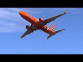 Boeing 737-800 Low Altitude Flypast