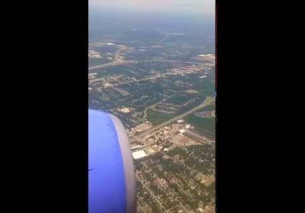 Southwest Airlines Boeing 737-700 landing at Nashville TN (BNA)