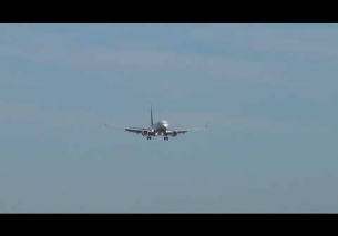 Ryanair landing at Paris – Beauvais 2