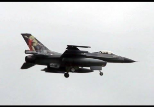 Leeuwarden F16's homecoming with dragchute landing 15-10-2013