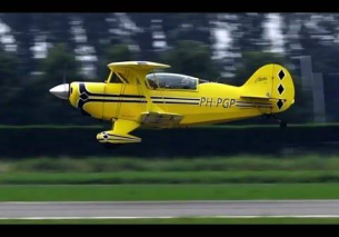 LOW PASS Pitts S-2A Special PH-PGP Wings over Holland 2016