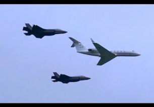2x F35   RNLAF Gulfstream V-11 welcome FLYBY – Leeuwarden Air Base 2016