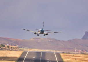 4 CROSSWIND LANDINGS at Madeira Airport 28.09.2020