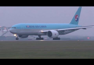 Korean Air Cargo Boeing 777 takeoff at Vienna Airport | HL8043