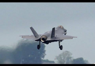 Dutch F35 vs F16 Low Approach Pass