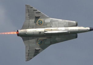 Saab 35 DRAKEN Spitting Fire at Airshow 2016