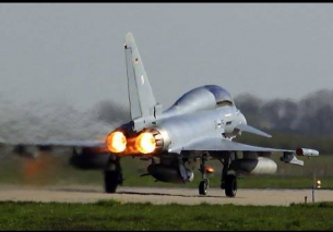 Eurofighter Typhoon AMAZING vertical AFTERBURNER Take Off