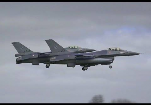 2x F16 Holding Hands EMERGENCY Landing – Frisian Flag 2016